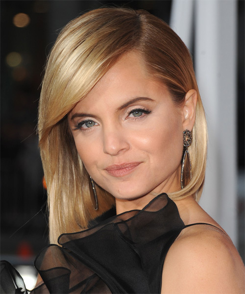 Mena Suvari Medium Straight Formal Layered Bob  Hairstyle with Side Swept Bangs  -  Golden Blonde Hair Color - Side on View