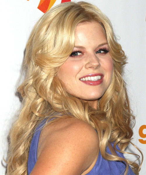 Megan Hilty Long Wavy Formal    Hairstyle   - Light Champagne Blonde Hair Color - Side on View