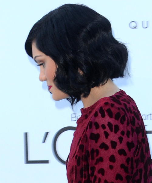Jessie J Medium Wavy Casual Layered Bob  Hairstyle   - Black  Hair Color - Side on View