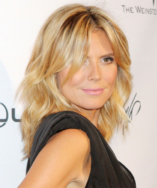 Heidi Klum Medium Wavy Casual    Hairstyle   - Light Golden Blonde Hair Color - Side on View