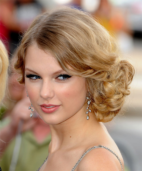 Taylor Swift  Long Curly    Champagne Blonde  Updo    with Light Blonde Highlights - Side on View