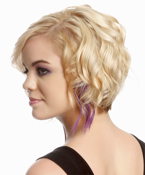 Short Wavy Casual   Hairstyle   - Light Blonde (Champagne) - Side on View