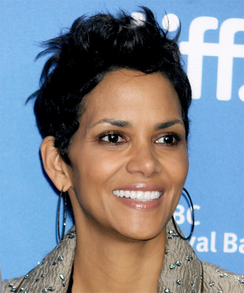 Halle Berry Short Straight Casual   Hairstyle   - Side on View