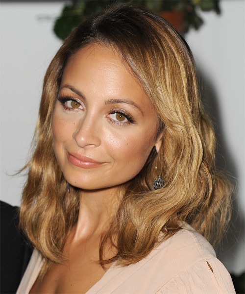 Nicole Richie Medium Wavy Casual   Hairstyle   - Dark Blonde - Side on View