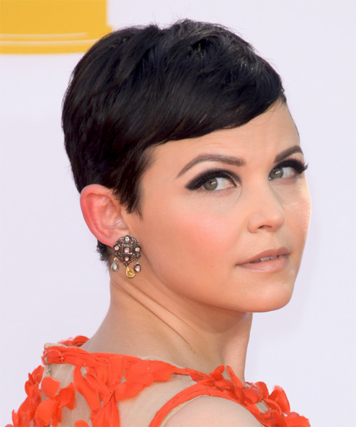 Ginnifer Goodwin Short Straight Casual   Hairstyle with Side Swept Bangs  - Side on View