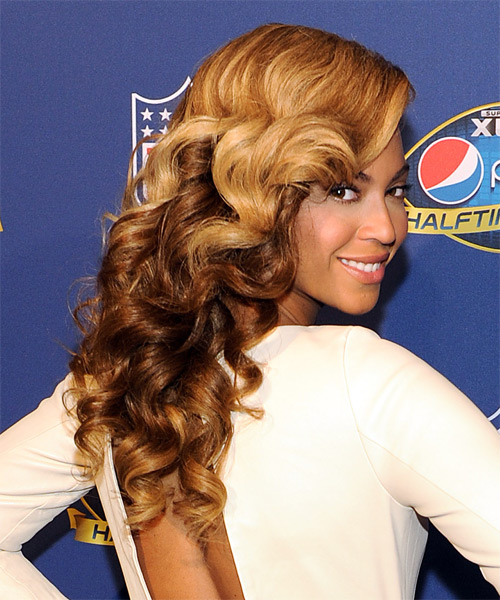Beyonce Knowles Long Wavy   Dark Golden Blonde and Dark Brunette Two-Tone   Hairstyle   - Side on View