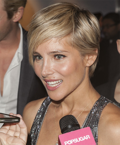 Elsa Pataky Short Straight Casual    Hairstyle   - Medium Blonde Hair Color with Light Blonde Highlights - Side on View