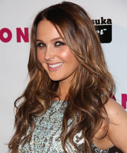 Camilla Luddington Long Wavy Casual   Hairstyle   - Side on View