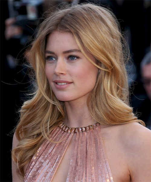 Doutzen Kroes Long Wavy Formal   Hairstyle   - Side on View