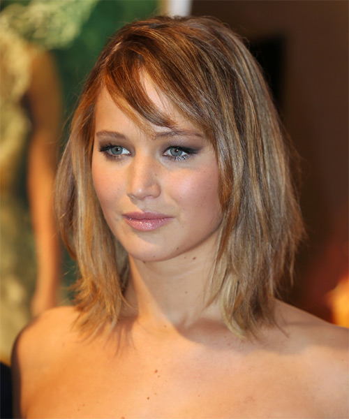 Jennifer Lawrence Medium Straight Casual   Hairstyle   - Side on View