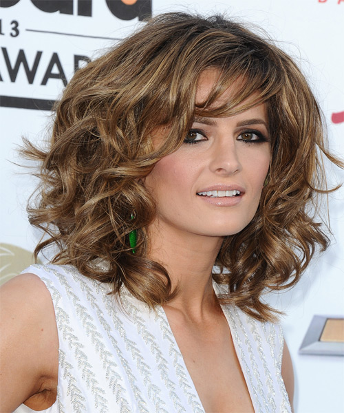 Stana Katic Medium Wavy Formal   Hairstyle   - Side on View