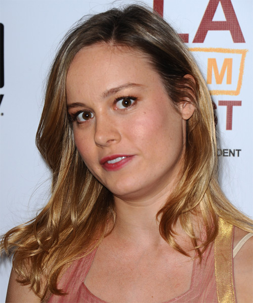 Brie Larson Long Straight Dark Blonde Hairstyle With Light Blonde Highlights