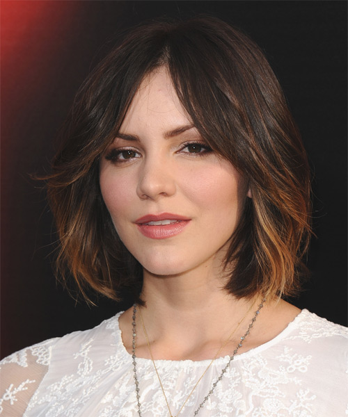 Katharine McPhee Medium Straight Casual    Hairstyle   - Side on View