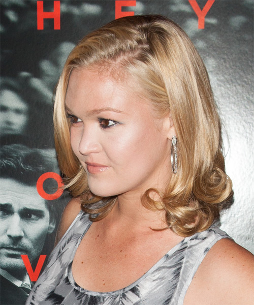 Julia Stiles Medium Straight Formal   Hairstyle   - Side on View