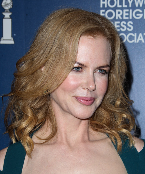 Nicole Kidman Medium Wavy Formal   Hairstyle   - Side on View