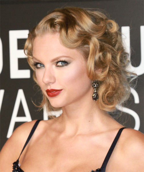 Taylor Swift Medium Wavy Formal   Hairstyle   - Side on View