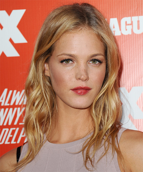 Erin Heatherton Medium Wavy Casual   Hairstyle   - Side on View
