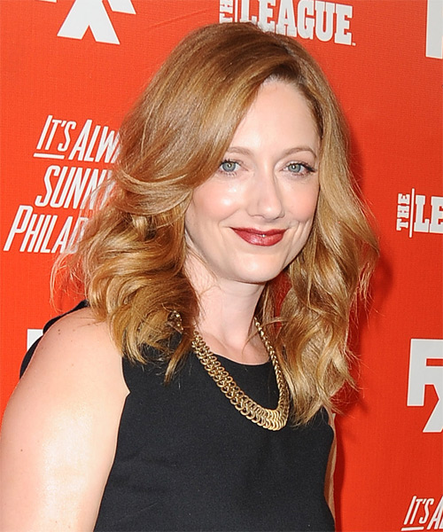 Judy Greer Medium Wavy Formal   Hairstyle   - Side on View