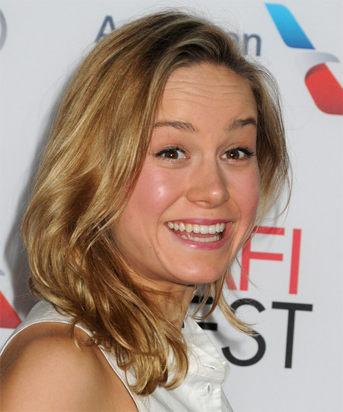 Brie Larson Medium Straight Casual   Hairstyle   - Dark Blonde (Golden) - Side on View