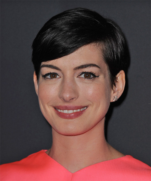 Anne Hathaway Short Straight Black Hairstyle With Side Swept Bangs