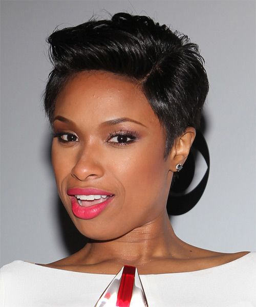 Jennifer Hudson Short Straight Casual   Hairstyle   - Side on View