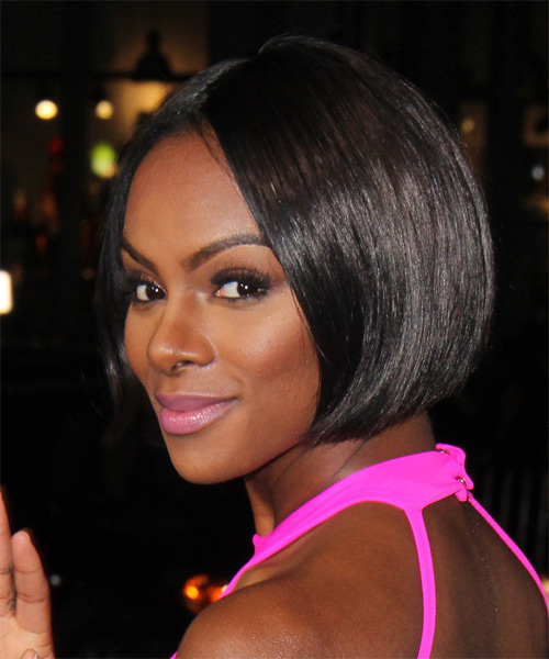 Tika Sumpter Short Straight   Black  Bob  Haircut   - Side on View