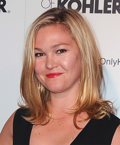 Julia Stiles Medium Straight Casual    Hairstyle   -  Golden Blonde Hair Color with Light Blonde Highlights - Side on View