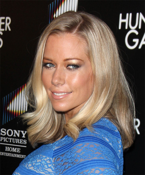 Kendra Wilkinson Medium Straight   Dark Ash Blonde   Hairstyle   with Light Blonde Highlights - Side on View