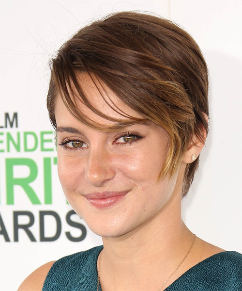 Shailene Woodley Short Straight    Auburn Brunette   Hairstyle with Side Swept Bangs  - Side on View