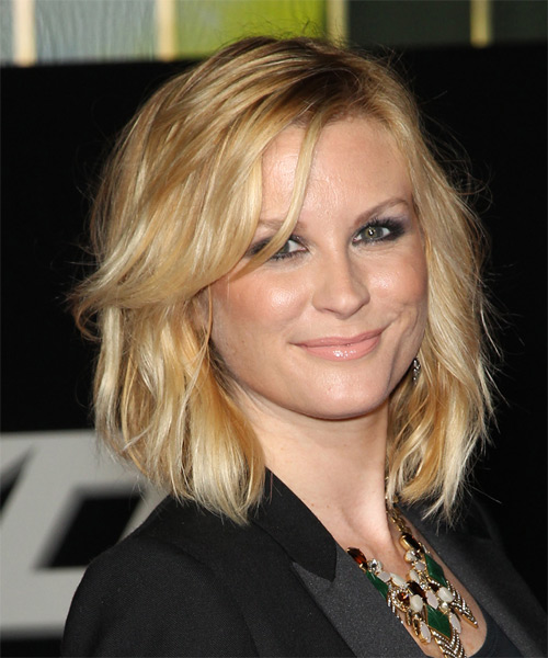 Bonnie Somerville Medium Wavy Casual   Hairstyle   - Medium Blonde (Golden) - Side on View