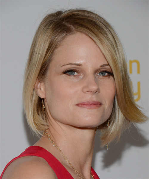 Joelle Carter Medium Straight Formal Bob  Hairstyle with Side Swept Bangs  - Medium Blonde (Golden) - Side on View
