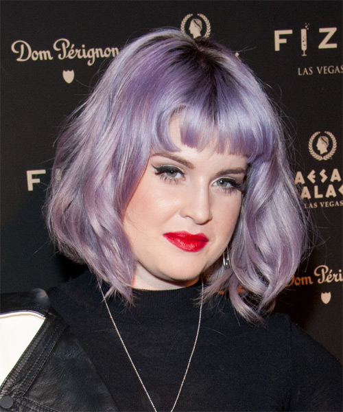 Kelly Osbourne Medium Straight     Hairstyle with Blunt Cut Bangs  - Side on View