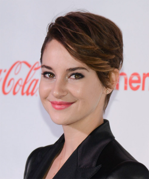 Shailene Woodley Short Straight    Brunette   Hairstyle   with Light Brunette Highlights - Side on View