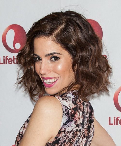 Ana Ortiz Medium Wavy Casual   Hairstyle   - Medium Brunette (Chocolate) - Side on View