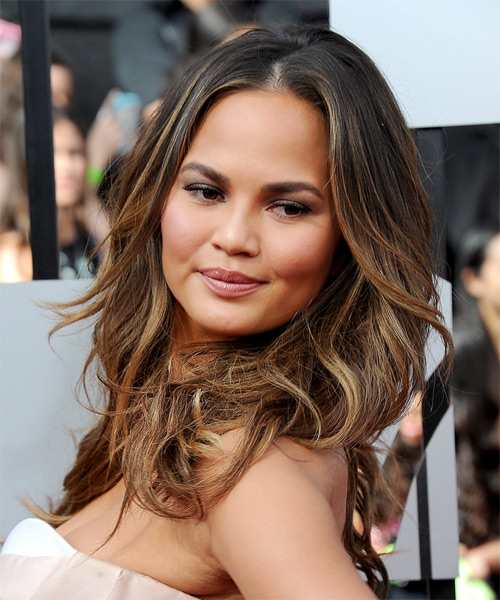 Christine Teigen Long Wavy Casual   Hairstyle   - Medium Brunette - Side on View