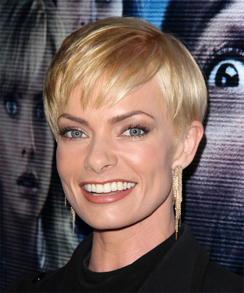 Jaime Pressly Short Straight Formal   Hairstyle with Layered Bangs  - Medium Blonde (Honey) - Side on View