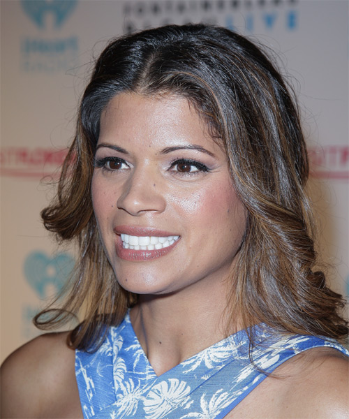 Andrea Navedo Medium Wavy Casual   Hairstyle   - Medium Brunette - Side on View