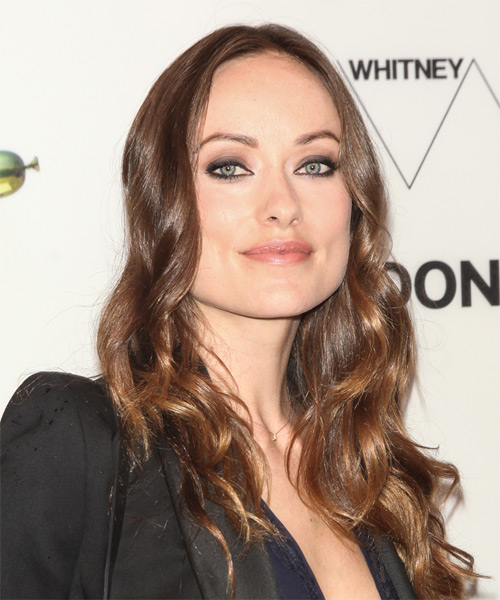 Olivia Wilde Long Wavy    Brunette   Hairstyle   - Side on View