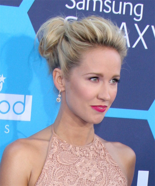 Anna Camp  Long Straight    Blonde  Updo    with Light Blonde Highlights - Side on View