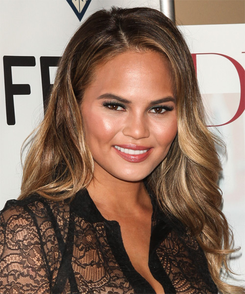 Christine Teigen Long Wavy    Chestnut Brunette   Hairstyle   with  Blonde Highlights - Side on View