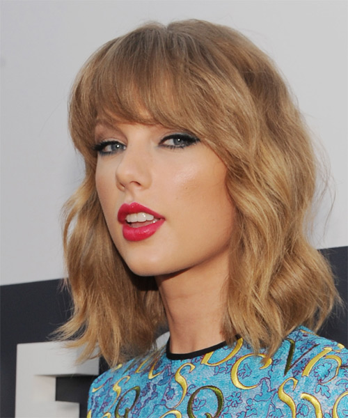 Taylor Swift Medium Wavy Casual   Hairstyle with Blunt Cut Bangs  - Dark Blonde (Copper) - Side on View