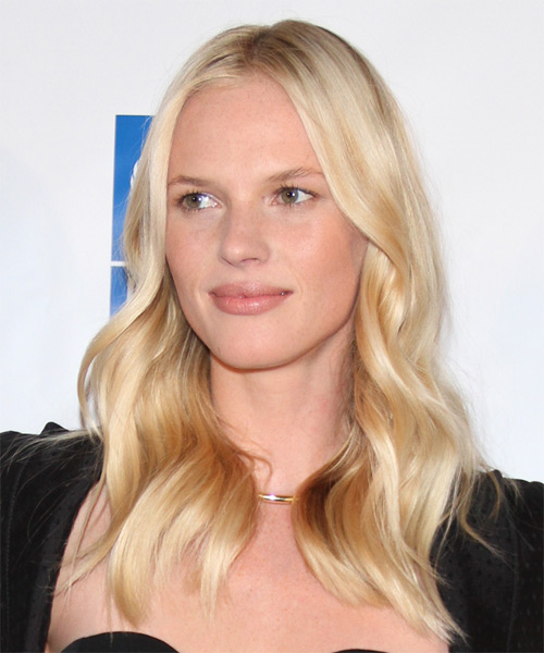 Anne Vyalitsyna Long Wavy Casual    Hairstyle   - Light Golden Blonde Hair Color - Side on View