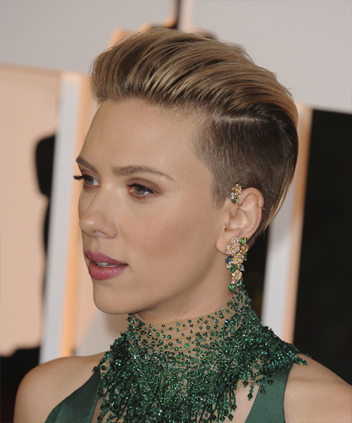 Scarlett Johansson Short Straight   Light Chestnut Brunette   Hairstyle   - Side View