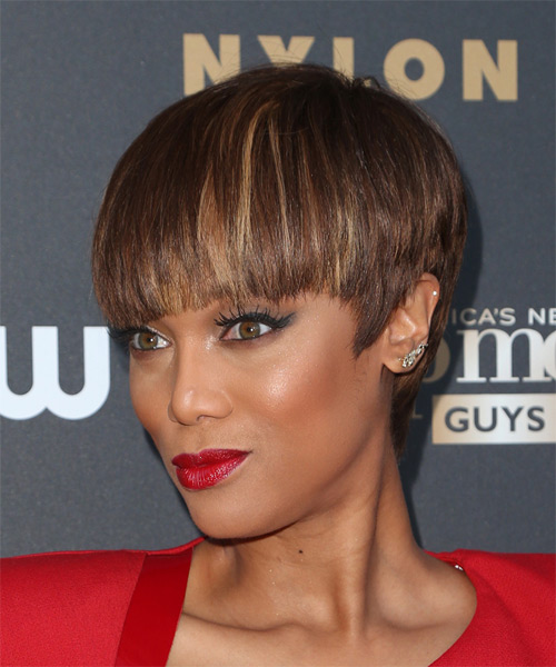 Tyra Banks Short Straight Formal    Hairstyle with Blunt Cut Bangs  -  Chocolate Brunette Hair Color with Dark Blonde Highlights - Side View