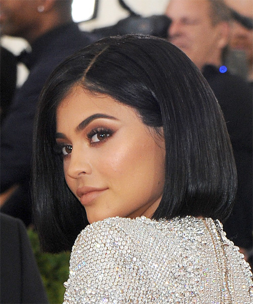 Kylie Jenner Medium Straight   Black  Bob  Haircut   - Side View