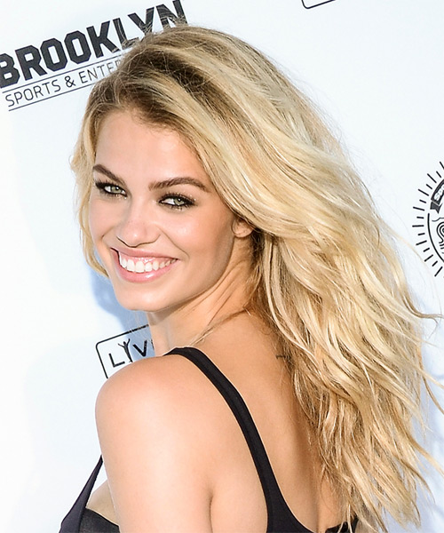 Hailey Clauson Medium Wavy Casual   Hairstyle   - Light Blonde (Golden) - Side View