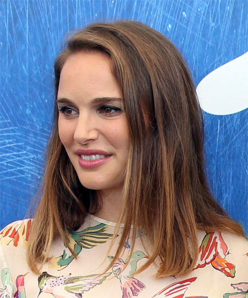 Natalie Portman Medium Straight    Brunette Bob  Haircut   - Side View