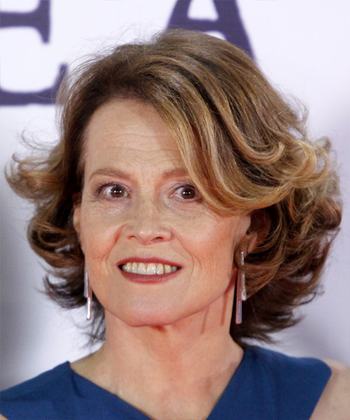 Sigourney Weaver Medium Wavy Casual Bob  Hairstyle with Side Swept Bangs  - Light Brunette - Side View