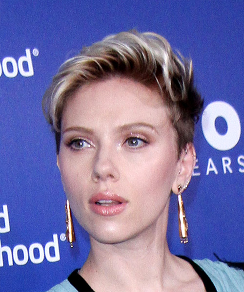 Scarlett Johansson     Dark Blonde Pixie  Cut   with Light Blonde Highlights - Side View