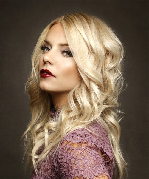 Long Wavy   Light Blonde   Hairstyle   - Side View